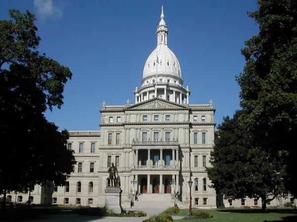 Michigan state capitol resized 600