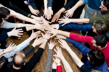 """Corporate Team Building Retreats: Are They Still a """"Thing""""?"""