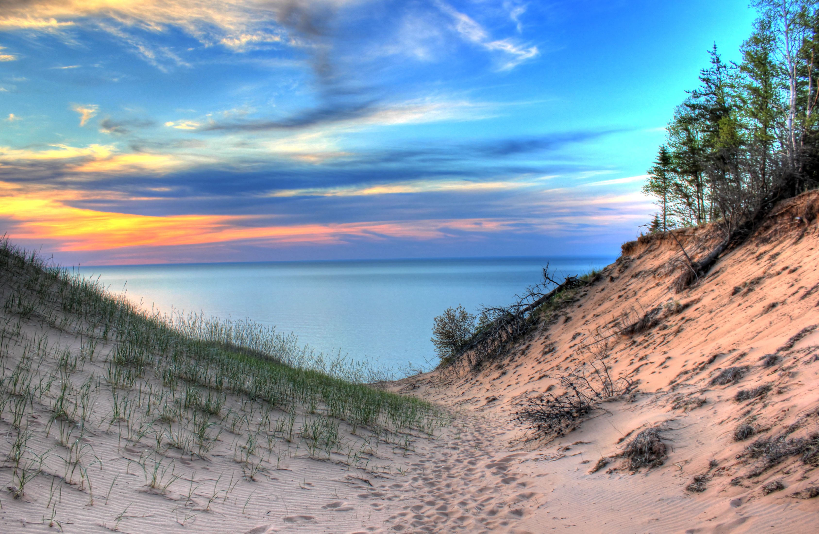 Michigan Hot Spots and Bus Tickets to Get You There